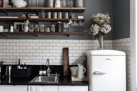 kitchen tiles, wall colour, shelves and jars