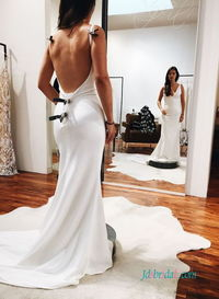 H0580 Simply sexy backless sheath mermaid wedding dress Search the site for Model No. , link in bio