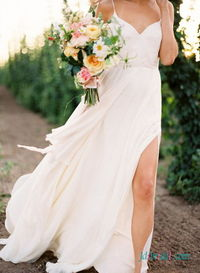 Romance simple boho beach wedding dress with thin straps