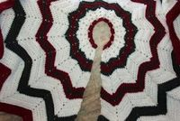 SmoothFox's Christmas Tree Skirt - Free Pattern