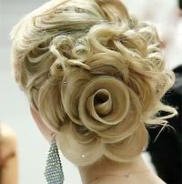 Rose.... Amazing! I usually don'tpostmany hairstyles but this one certainly deserved it!