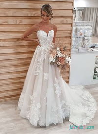 H0489 New beautiful sweetheart neckline floral lace wedding dress More Details: https://tinyurl.com/y7a89ga4