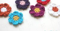 Simple Spring Crocheted Flowers ~:: Repeat Crafter Me ::~ Spring is just around the corner and its a great time to start crocheting for the new season! I c