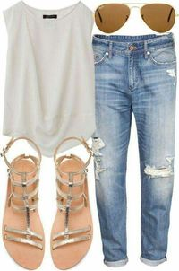 Casual summer style! #summerlooks #summerfashion #momapproved #streetcasual