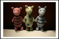 """Muckla - free Ravlery download; These little pigs would make a great """"Three Little Pigs"""" prop"""