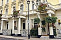 London Quality Crown Hyde Park Hotel London London Quality Crown Hyde Park is a traditional style hotel located in a small square close to Paddington (you can purchase a Paddington Bear in reception!) and Hyde Park. Small welcoming lobby and a sep...