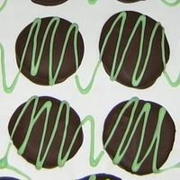 Peppermint Patties Recipe... Made these last Christmas. Huge hit. Def. must for this year... will be making a dbl batch for sure!!!