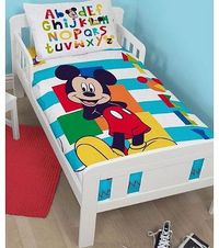 Mickey Mouse Disney Mickey Mouse Boo 4 in 1 Junior Bedding Bundle (Duvet Pillow Covers) This Mickey Mouse 4 in 1 Junior Bed Set has everything you need to make the transition from cot to junior bed. The bundle includes a toddler size 3.5 tog quilt...