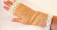 Epoque mittens coral colour with edging Mitones por NiceOstrich, �'�12.00