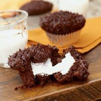 These chocolate cupcakes have a secret: They're loaded with marshmallow cream filling. If you grew up on store-bought snack cakes, these...