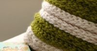 DIY Chunky Finger Knit Pillow by flaxandtwine DIY