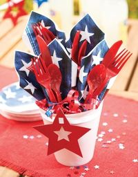 4th of July centerpiece and table settings