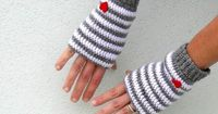 Hey, I found this really awesome Etsy listing at http://www.etsy.com/listing/124514966/crochet-fingerless-gloves-mittens-pdf