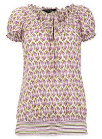 Dorothy Perkins Purple flower print gypsy top Purple flower print gypsy top. 100% Cotton. Machine washable. http://www.comparestoreprices.co.uk//dorothy-perkins-purple-flower-print-gypsy-top.asp