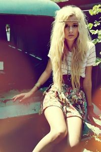 Lovely long bleached blonde wavy hair, looks like an enchanted fairy hipster!