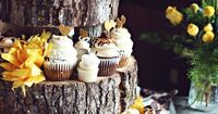 Rustic Wedding Cupcakes itunes.apple.com/... �€� �™� The Gold Wedding Planner iPhone App �™� pinterest.com/... Photo by J. Woodery Photography www.jwooderyphoto... Please mention that you found them thru Jevel Wedding Planning's Pint...