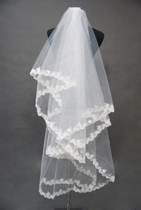 Attractive Two-Layer Elbow Wedding Bridal Veil with Lace Applique Edge