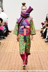 The complete Manish Arora Fall 2018 Ready-to-Wear fashion show now on Vogue Runway.