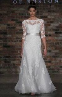 A lifetime ago I would have bought a Priscilla dress for our wedding. This one is gorgeous.