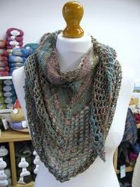 Ravelry: Super Eyelet Shawl pattern by Fiona Wright free pattern
