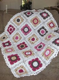 lovely blanket made by Cherry Flanders. She used DROPS blanket crochet in squares in �€Karisma�€ pattern. link: http://www.garnstudio.com/lang/us/pattern.php?id=4478=us