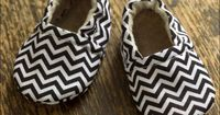 Chevron Eco Friendly Baby Booties 06 months by HappySolez