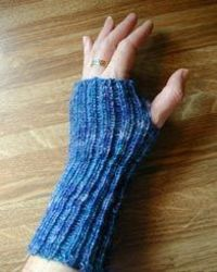 Wrist Warmers pattern generator - enter info requested (including yarn and preferred needle) and a custom pattern will be generated.