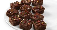 Amazon.com: Wilton 2105-4923 24-Cavity Silicone Brownie Squares Baking Mold: Kitchen & Dining