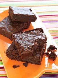 Fudgy Bittersweet Brownies for 250 calories each. #NationalDessertDay #fitnessmagazine