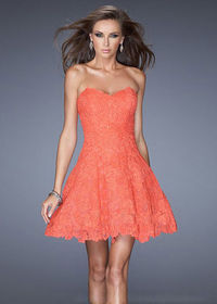 La Femme Coral Scalloped Lace Fitted Strapless Short Prom Dress