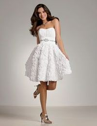 I want this to be my bridesmaid dress! NOT in white of course ;)